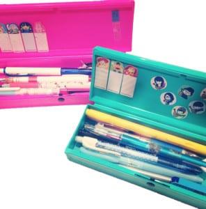 Trousse pour stylos d'école solide en plastique